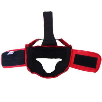 Шлем боксерский с закрытым подбородком и верхом головы разработан для занятиями как в тренировочных процессах, так и для выступлении на ринге. Специально разработанная форма позволяет более эффективно защитить голову, лицо и темень спортсмена как во время тренировок, так и во время выступлении на ринге. Защита подбородка позволяет надежно прикрыть эту часть тела от сильных ударов.
